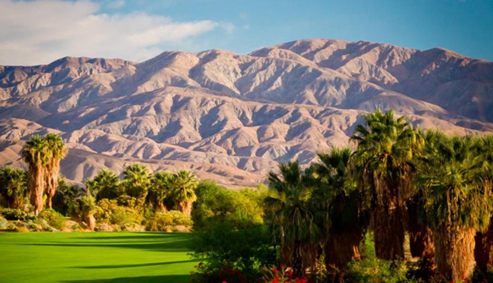 沙漠柳高尔夫俱乐部 (Desert Willow Golf Club)